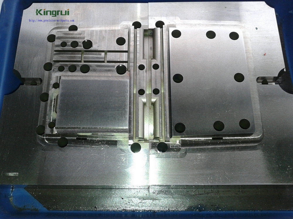 Custom Cavity And Core Injection Mold Components For