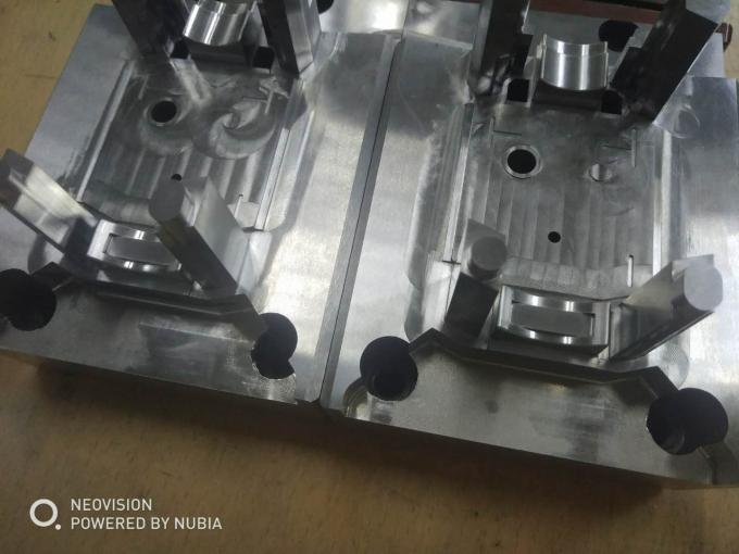 Complicated Spark Eroded Small Injection Molded Plastic Parts Surface Roughness Ra0.4um